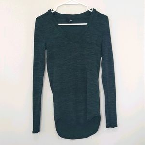 Aritzia - Wilfred Free - V-neck Long Sleeve Top